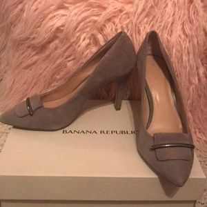 Banana Republic suede heels